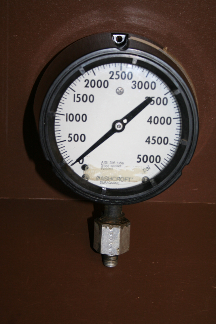 Pressure gauge Type 1279 5000 psi 4 1/2 in Duragauge Ashcroft