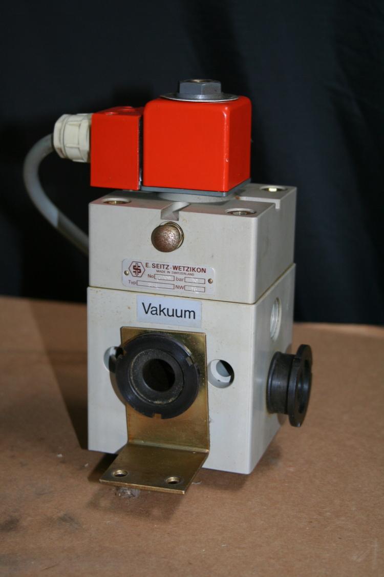 Vacuum valve Solenoid operated 110V Eugen Seitz