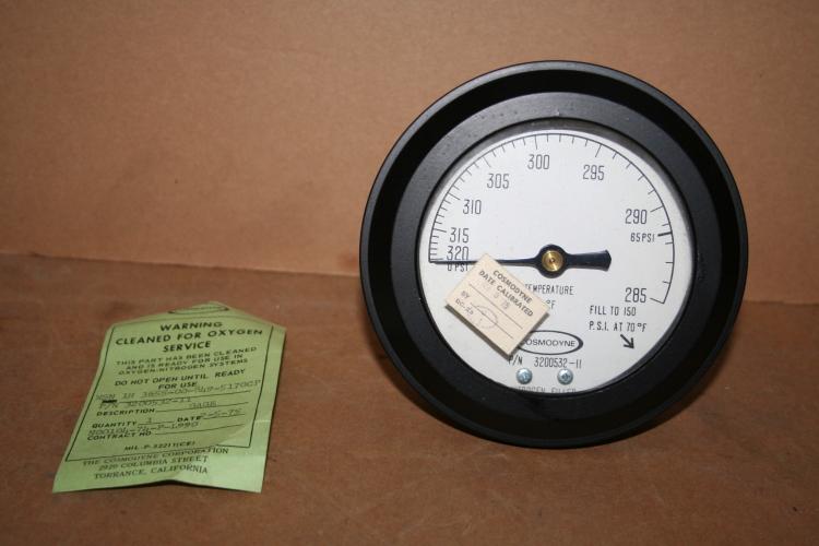 Cryogenic temperature/pressure gauge -320 to -285 deg F O2/NO2 cleaned Cosmodyne Unused