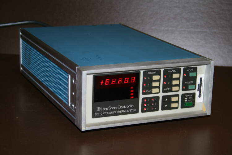 Cryogenic thermometer controller 820 Lakeshore Cryotronics Repair/Parts