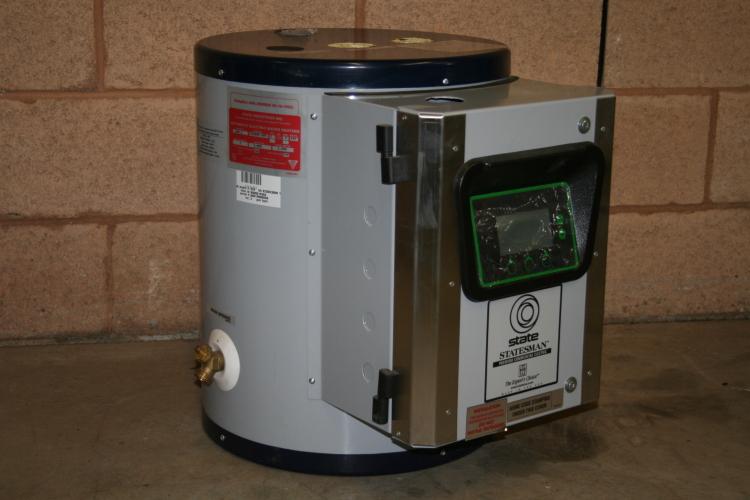 Water heater 3 kW 5 Gal State SSE5 480V 3 phase Digital Unused