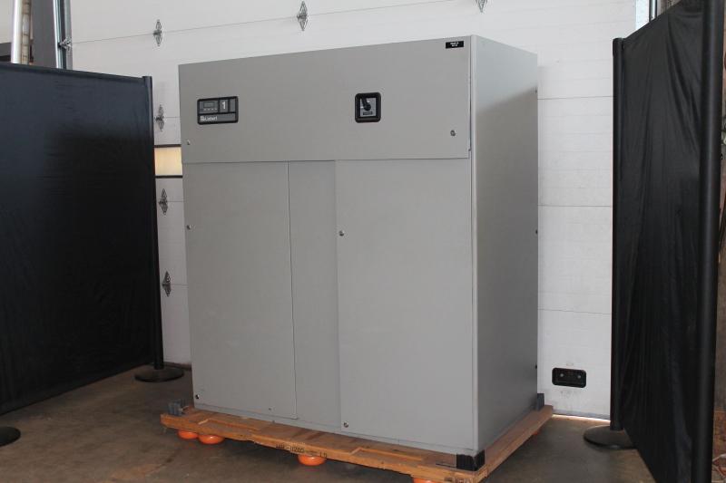 Data center computer room air conditioner AC CRAC 40kW 12 ton Liebert Himod