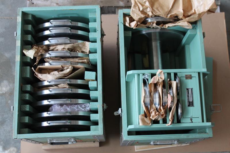 Dead weight set, 2402-700, Weights 1 through 14, 16 through 24 Ruska Instruments