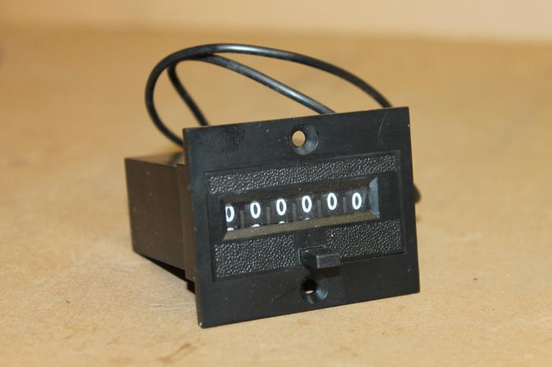 Durant 6-Y-41323-402-MEQ-U, Counter, Totalizer, Electromechanical, 6 Digit, 24V
