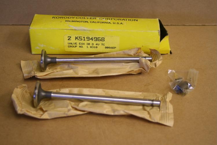 Exhaust valve 5194968, 23500501, 71 series Detroit Diesel Lot of 7 valves Unused