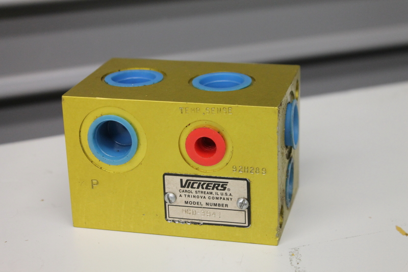 Vickers MCD3941 Hydraulic Manifold Cartridge Block