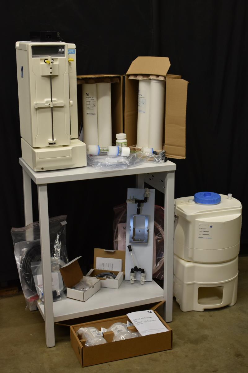 UNUSED Lab Water purification system, 8 L/hr, AFS 8, Millipore, UNUSED