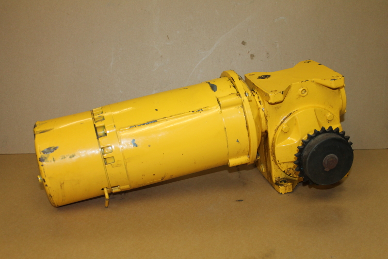 Gearmotor, right angle, 60:1, 29RPM, 0.5hp, 3PH, STF-60-A-A, GSF6023AA Baldor