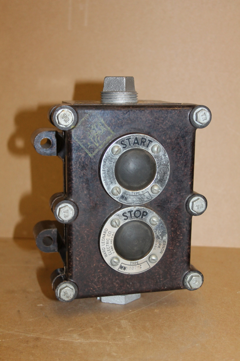 Switch assembly, start/stop, dustproof, 5A 440VAC, MN2207-1 Ward Electric