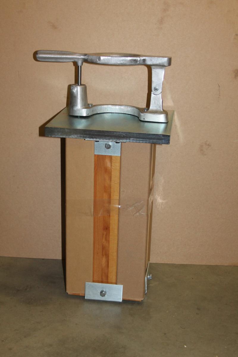 Compaction Pedestal & Mold Holder, 4