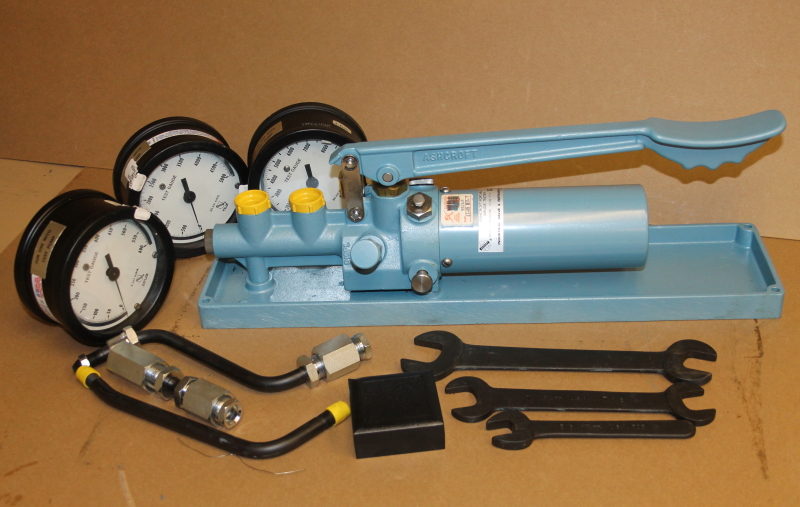 Pressure gauge comparator, tester 0-10Kpsi hydraulic portable, 1327 DG, Ashcroft