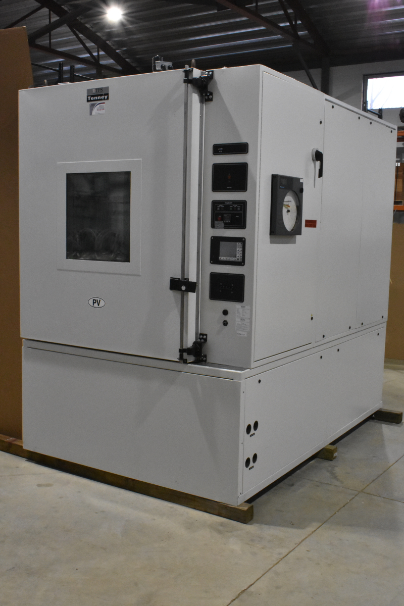 Large Environmental Chamber, Tenney ETCU132, Temp/humidity, -60 to 200 C