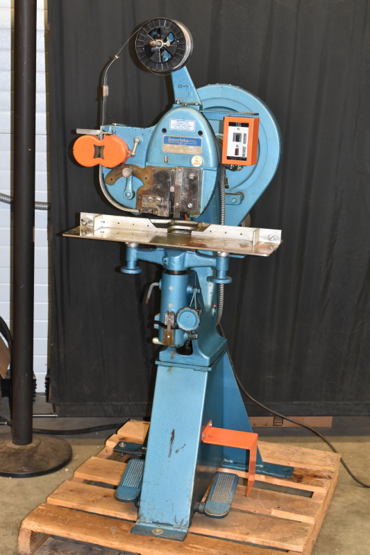Stitcher Interlake S3A 3/4 TESTED