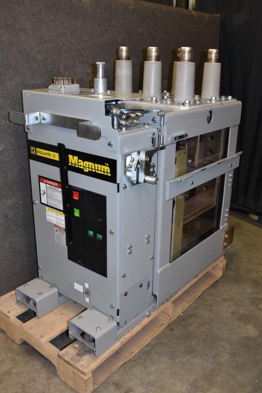 Breaker Square D 5GSB2-350-2000 for GE Magne-blast AM4.16-350-2000